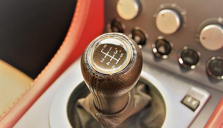 買取情報 2007年 アストンマーティン V8ヴァンテージ 6MT