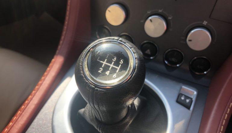 入庫情報 アストンマーティン V8ヴェンテージ 6MT オプション多数