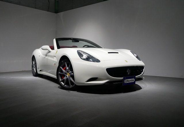 フェラーリ カリフォルニア F1 カーボンLEDステアリング オプション20インチアルミ カーボンパネル ダイヤモンドステッチ